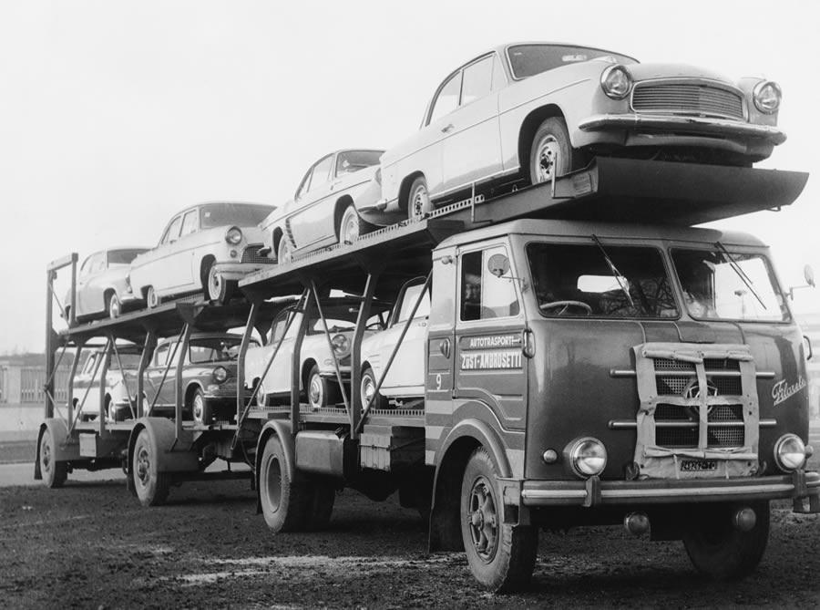 Autotransporter Ende der 50er Jahre