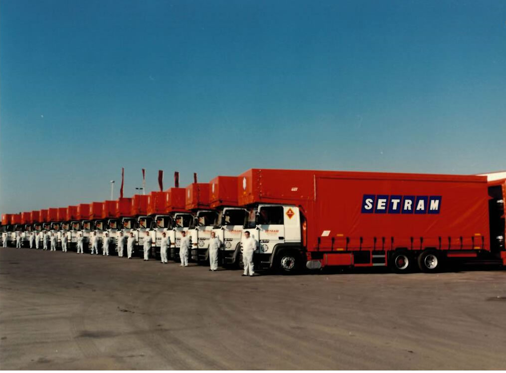 Geschlossene SETRAM Autotransporter